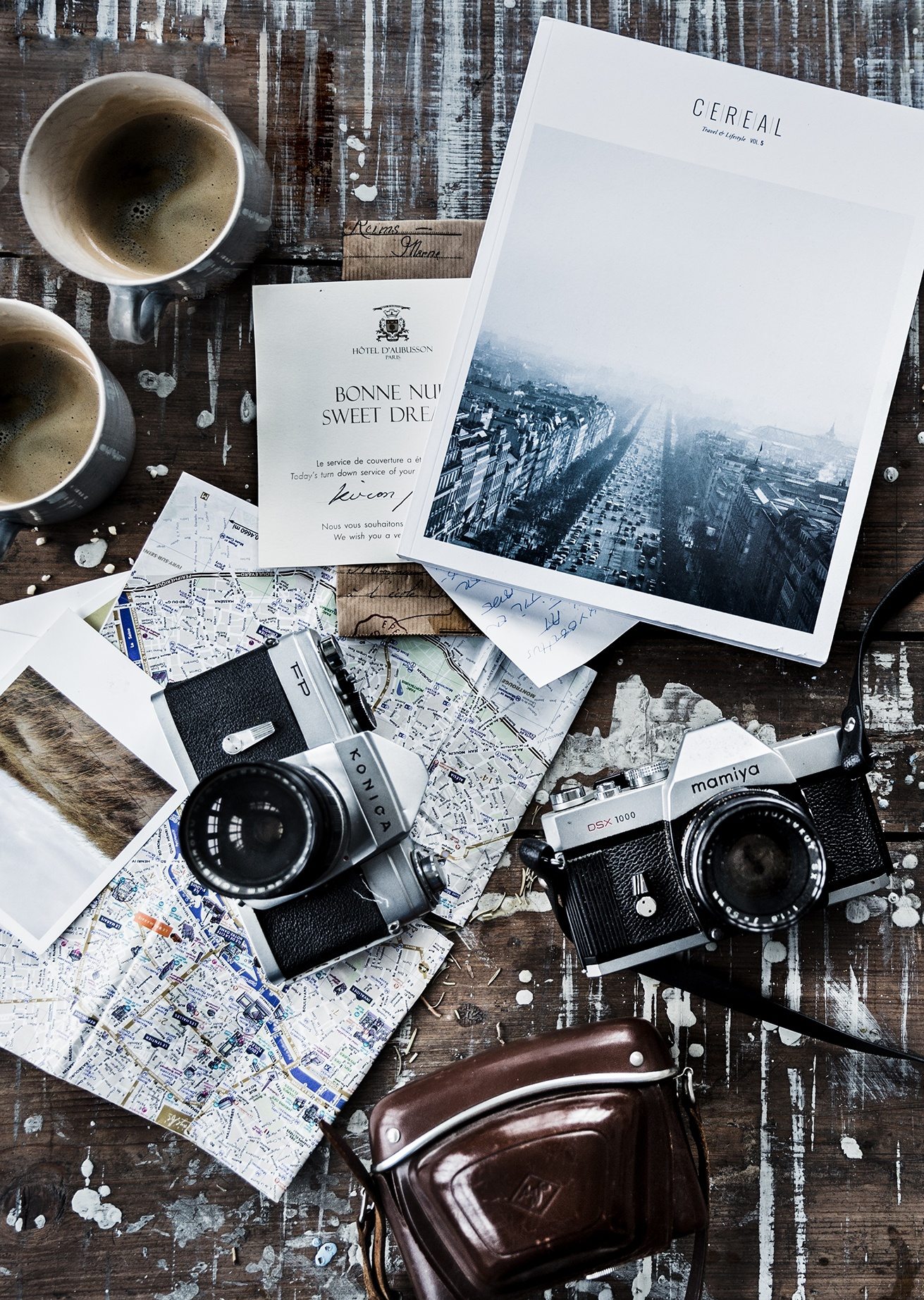 7 Essential Tips For Creating Beautiful FlatLay Photos Like A Pro