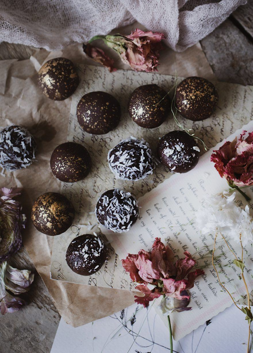 Chocolate Peanut Butter Protein Balls Recipe